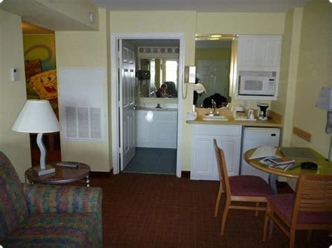 2 bedroom suite with kitchen in orlando travel with kids nickelodeon suites hotel orlando