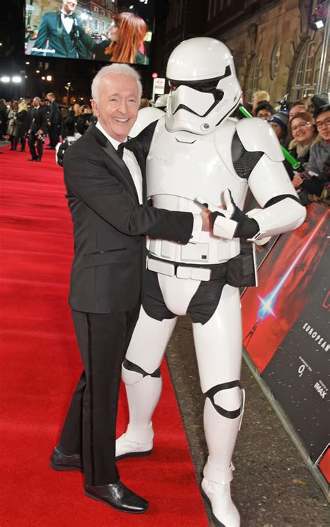 anthony daniels movies star wars 8 c 3po star anthony daniels compares last