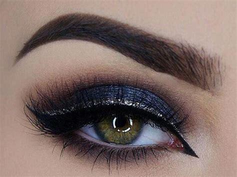 Eyeshadow Wardah Merah til playful dengan eyeliner warna warni co id