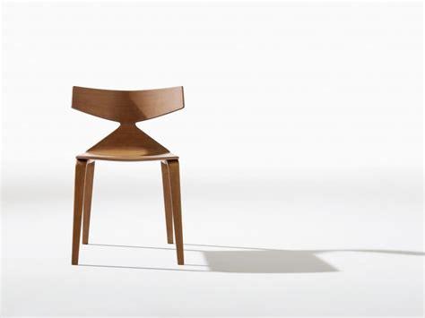 sedute design sedia design con struttura in legno linee dinamiche
