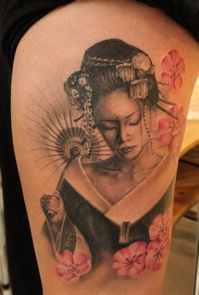 tatuaggi geisha con fiori tatuaggi con una geisha giapponese 90 immagini
