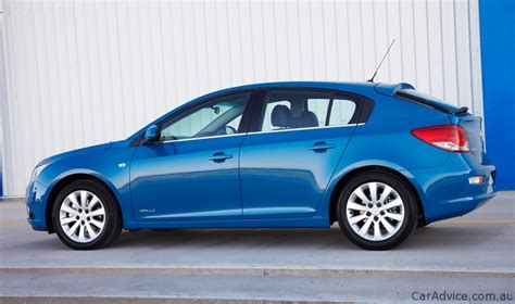 holden cruze 2011 review 2011 holden cruze hatch review caradvice