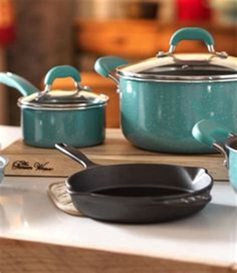 ree drummond cookware line at walmart the pioneer woman s new product line this is a problem i