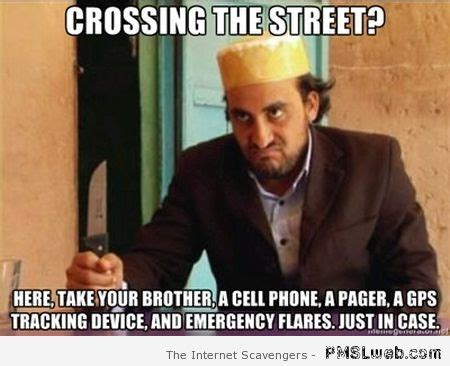 Funny Arab Memes - 29 crossing the street arabic meme pmslweb