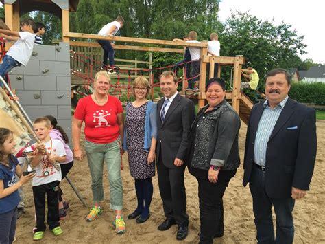 vr bank rommerskirchen grundschule frixheim kinder freuen sich 252 ber neues