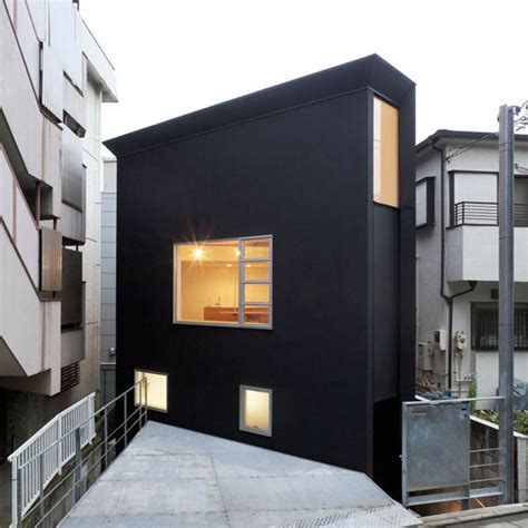 japan skinny house oh house by atelier tekuto boasts voluminous interiors