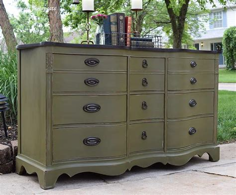 chalk paint olive sweetthreepeats buffet makeover olive chalk paint