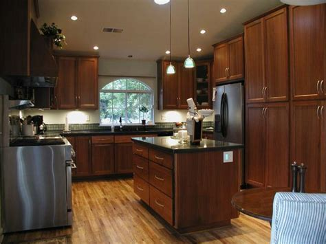 kitchen flooring ideas with oak cabinets 1000 ideas about dark oak cabinets on pinterest white