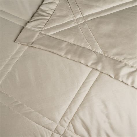 quilted cotton coverlet allegria fine linens lattice quilted coverlet queen 300
