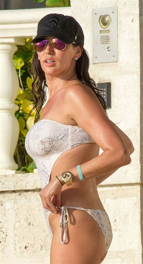 lauren silverman in swimsuit at a beach in barbados