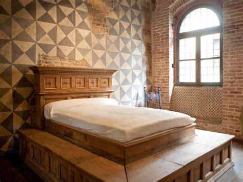 Juliet Balcony by Casa Di Giulietta