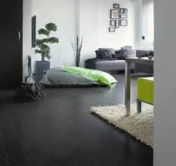 wohnzimmer dunkles laminat laminate flooring can bring the to your home