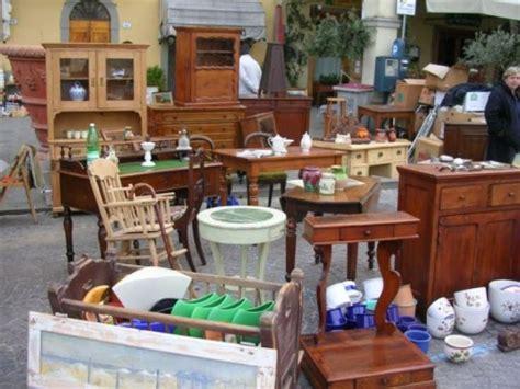 armadi vecchi vendita restauro e recupero di vecchi mobili scarperia