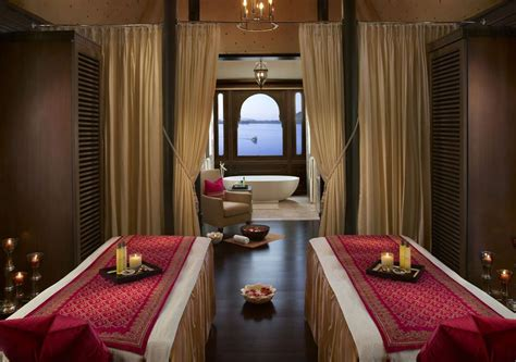Luxury Detox Retreats In India by Top 10 Best Luxury Spas In India For Wellness