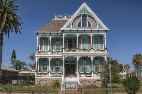 slideshow 904 01 front view of gus reymershoffer house 1887 at historic district galveston