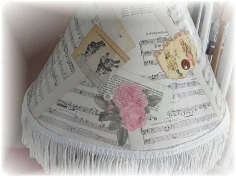 Decoupage Lshade - crafting with book pages s creative designs