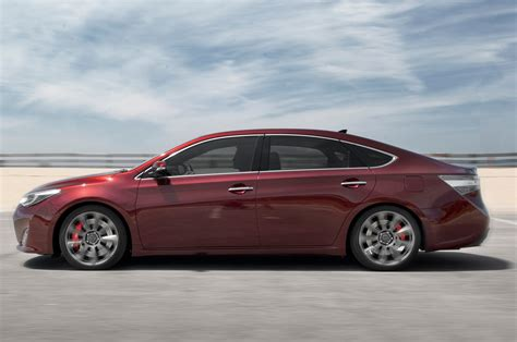 toyota avalon 2013 toyota avalon reviews and rating motor trend