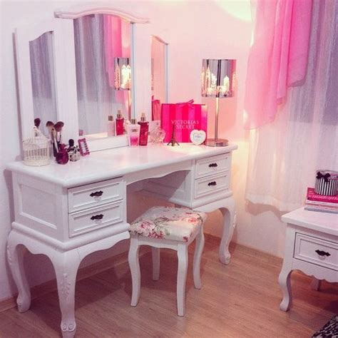Dressing Room Advice From Strangers by Best 25 Sparkly Bedroom Ideas On Canopy