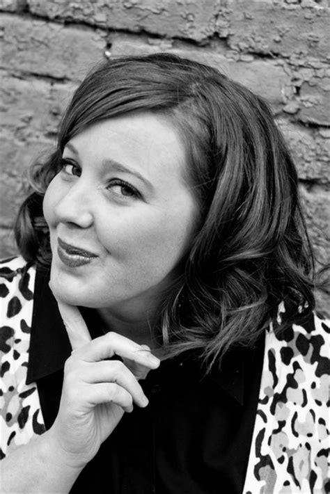 Rachel Hawkins (auteur de Hex Hall, tome 1) - Babelio