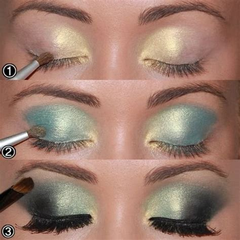 Caring Colours Eye Brow Black start by applying a golden shadow at the beginning of the