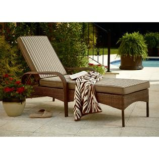 Chaise Lounge Chair Patio Mayfield Vintage Wicker Chaise Lounge Relax In Style With