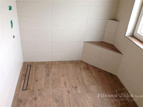 badezimmer fliesen holzoptik fliesen in holzoptik badezimmer gem 252 tlich auf moderne deko