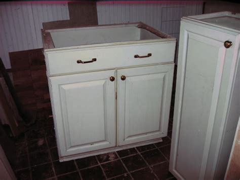 How To Repair Kitchen Cabinets by How To Fix A Kitchen Maid Cabinet Diy And Repair Guides