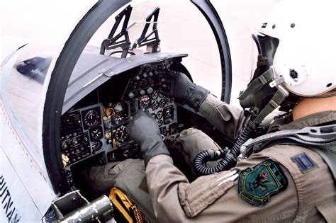 Abductions, UFOs and Nuclear Weapons : McDonnell Douglas F ... F 15 Cockpit