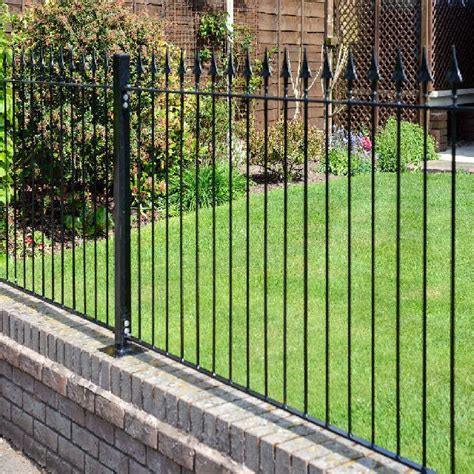 Metal Garden Fencing by Metpost Montford Top Metal Fencing Packs 3ft High