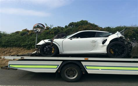 Porsche 911 Accident by Porsche 911 Gt3 Rs Destroyed In Massive Crash On Isle Of Man