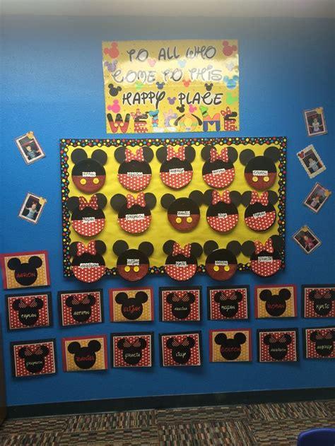 Sle Classroom Decorations by Best 25 Disney Bulletin Boards Ideas On Class