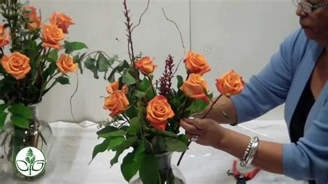 how to arrange how to arrange a dozen rose vase simple youtube