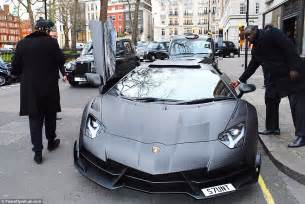 lamborghini customised stunt drives his 163 3 1m lamborghini aventador to the