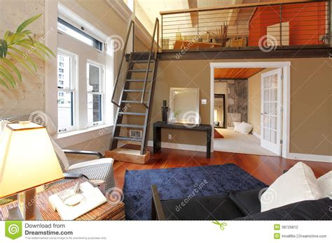 Mezzanine Bedroom Ideas For Small Bedrooms Salon Moderne Reconstruit Avec La Mezzanine Photographie
