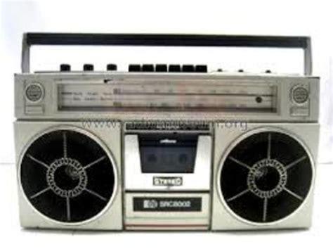 radio cassette la radio trivi timeline timetoast timelines