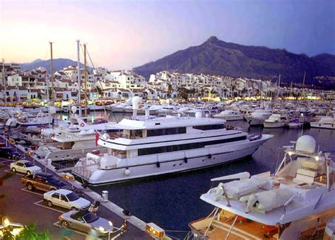 dinner on a boat puerto banus things to do on costa del sol activities costa del sol