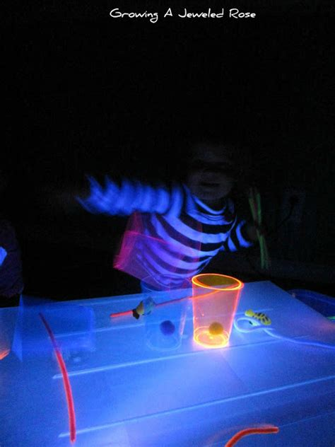 Zd Glowing black light sticky table growing a jeweled