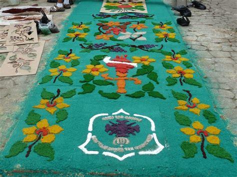 corpus hermeticum y otros 8441403511 156 mejores im 225 genes sobre alfombras flores y otros elementos en antigua guatemala