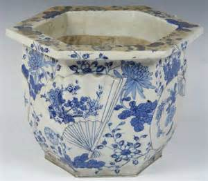 blue and white porcelain planter