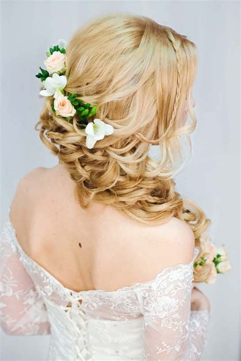 Wedding Hairstyles Wavy by 1000 Ideas About Wavy Wedding Hairstyles On