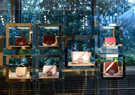 Interior Display In Visual Merchandising by Glamshops Visual Merchandising Shop Reviews Tod S