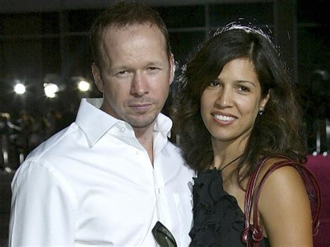 donnie wahlberg gettin a divorce nkotb gossip 2010 edition donnie wahlberg and wife finalize divorce ny daily news