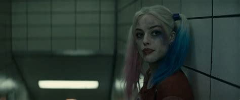 margot robbie harley quinn gif woman 9 17 14 margot robbie pan am king of the flat