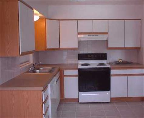 Refurbished Kitchen Appliances by Rental Home Titusville Brevard County Florida