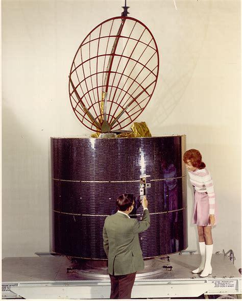 anik   worlds  domestic geostaionary communication satellite