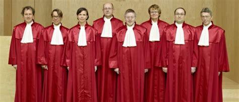 bundesverfassungsgericht robe verfassungsrichter st 228 rken lebenspartner inqueery