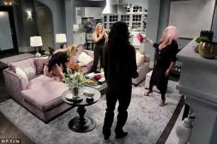 khloe living room khloe s chat show notches up a record number of viewers for fyi daily mail