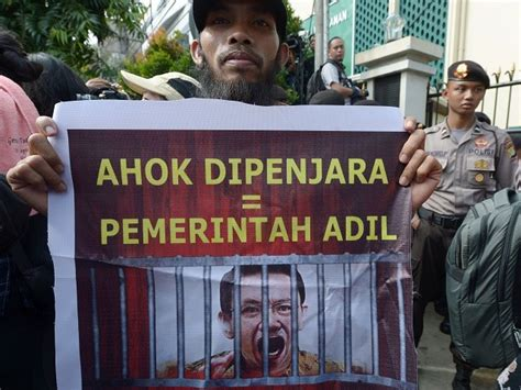 ahok human rights indonesia prosecutes christian governor for blasphemy