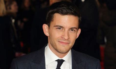 sage steele jonathan bailey broadchurch s jonathan bailey runs from fans asking about
