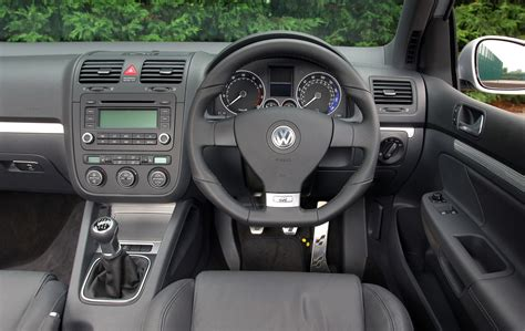 R32 Golf Interior by Volkswagen Golf R32 Review 2005 2008 Parkers